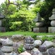 宝塔、五輪塔、いずれも国指定重要文化財