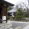 乙訓寺境内と弘法大師像