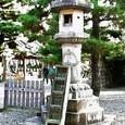 石の階段付き石灯籠