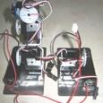 足首サーボモータと電池ボックス(左足)
