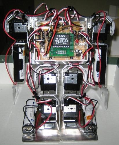 受信機をセットし、配線を束ねた状態