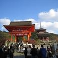 清水寺:仁王門と三重塔