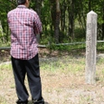 8.甲賀寺経楼跡の石碑とJo翁