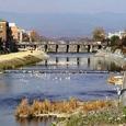 三条大橋遠望と鴨川